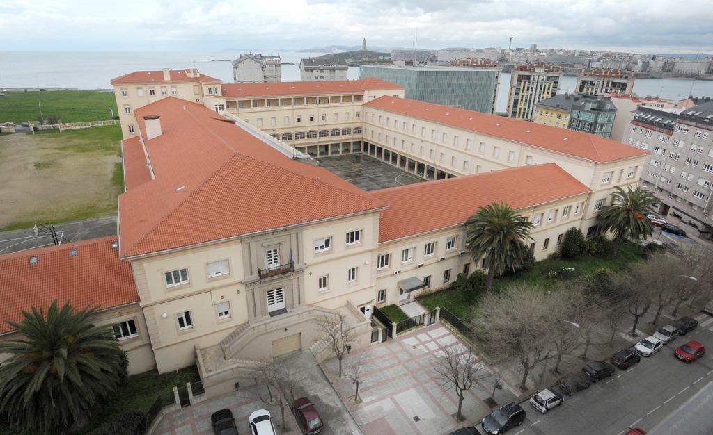 Un mui bo negocio para os adxudicatarios. A Deputación da Coruña licita por 2,5 millóns de euros as obras da Residencia Universitaria do Calvo Sotelo