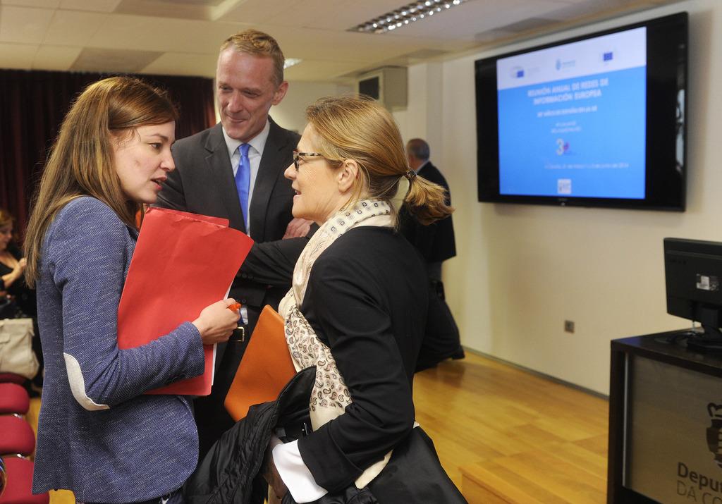 Representantes dos centros de información Europa Direct e dos Centros de Documentación Europea, nun total 85 persoas, celebran a súa reunión anual na Coruña...+...+