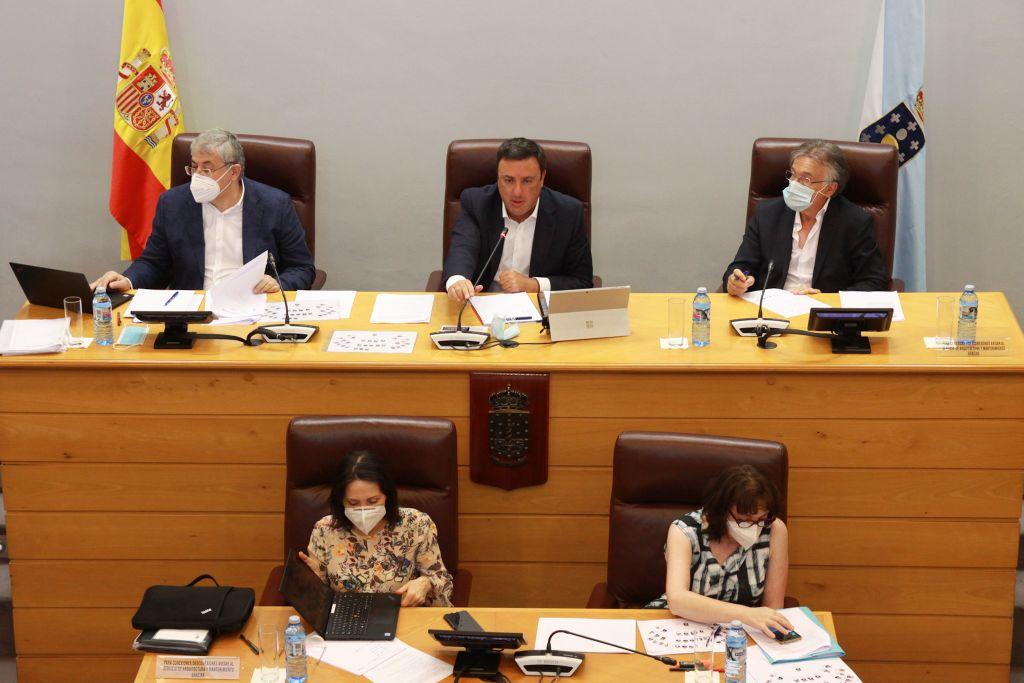 A Deputación da Coruña iniciará as xestións para transferir os seus centros educativos de asistencia a menores á Xunta de Galicia