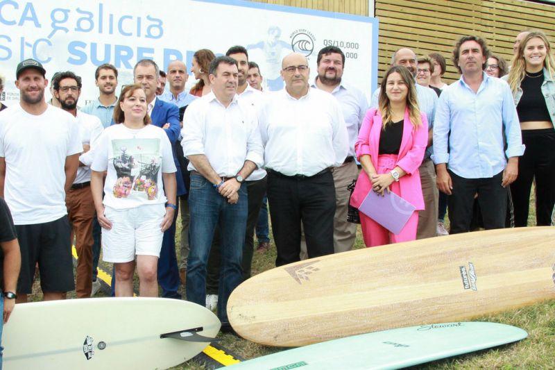 A élite do surf mundial dase cita esta semana en Pantín (Valdoviño)