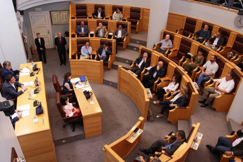 A Deputación da Coruña acolleu o último pleno do actual mandato